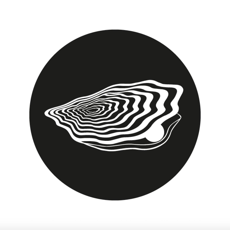 magic oyster Logo